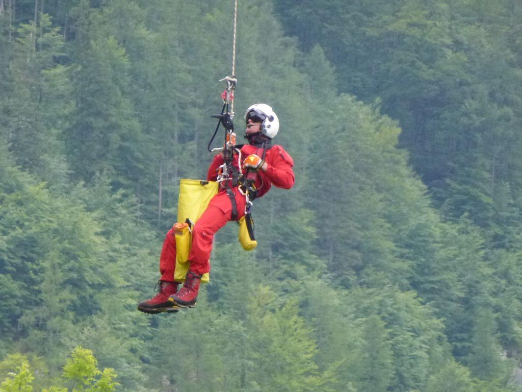 Klettersteig Seewand : 19.07.2014 erschöpfte tschechin vom seewand klettersteig ausgeflogen